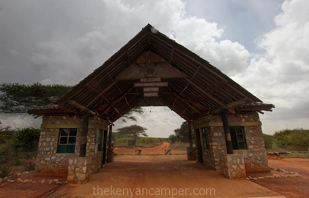 lumo-tsavo-camping-kenya-11