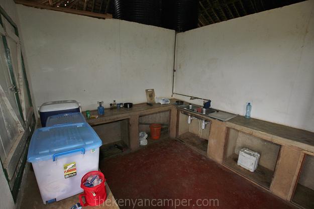 lumo-tsavo-camping-kenya-16