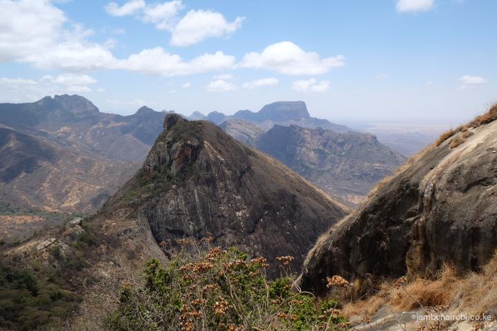 Stunning-vistas-of-Ndoto-mountains-from-Aldera1